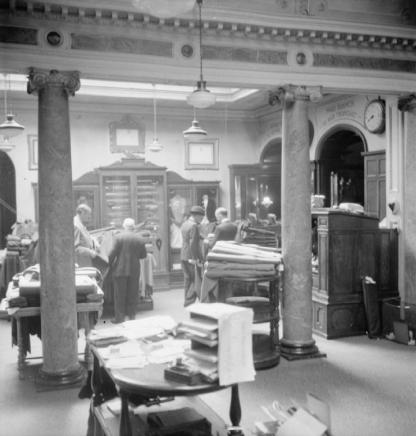 1944: Henry Poole and Co., London Source: https://en.wikipedia.org/wiki/Henry_Poole_%26_Co